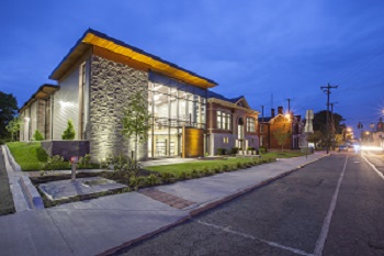 photo of Paris-Bourbon County (KY) Public Library. Design by EOP Architects (www.eopa.com), Lexington, KY. Photo by Phebus Photography.